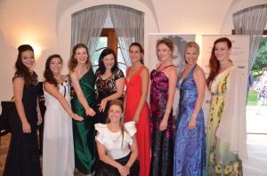 Účastnice mistrovských kurzů 2015 s Kateřinou Kněžíkovou